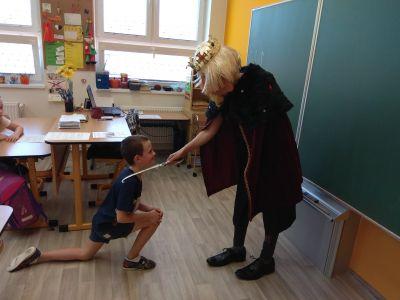 Král pasoval žáky na čtenáře